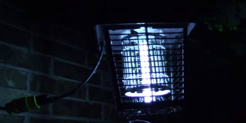 how bug zapper works